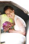 bruid in auto